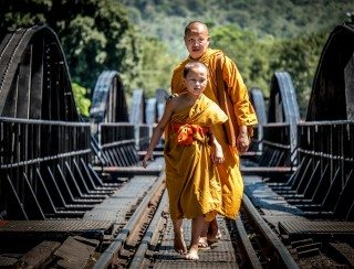heckels.photography_monks_kanchanaburi