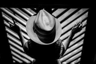 heckels.photography_noir_hat