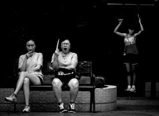 heckels.photography_yawn_streetphotography