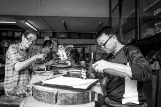 Sign writing in Bangkok by Graeme Heckels Travel & Street Photography