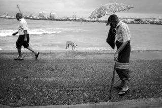 Graeme_Heckels_Sri Lanka Daily Life_Colombo_Park_Storm